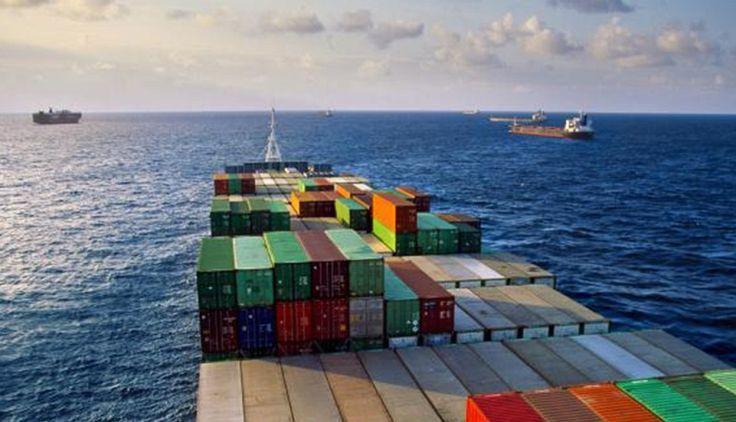 El flete marítimo: concepto, tarifa y recargos