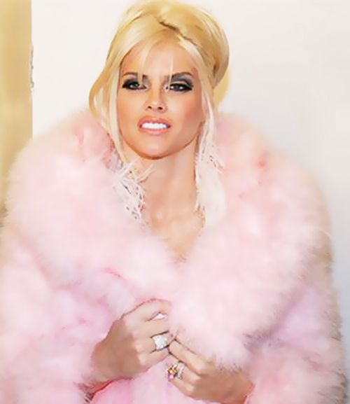 Anna Nicole was a lost beauty