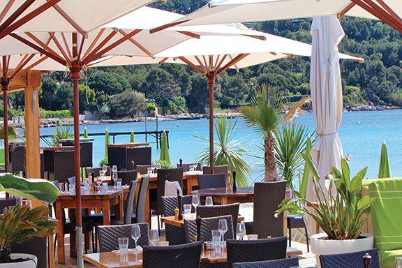 Restaurant/Plage Tabou Beach- Com en Régions - Retrouvez toutes nos bonnes adresses sur www.comenregions.com