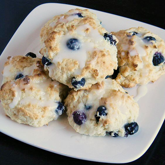 Awesome Quick Blueberry Biscuit Recipe! Uses Bisquick and doesn't require much work. Great way to use up blueberries Or use frozen #blueberry #biscuit