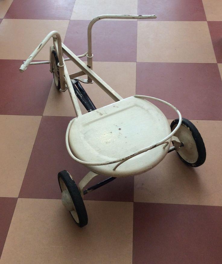 käsikäyttöinen 'polkupyörä' 30 luvulta . @kooPernu