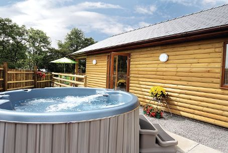 Romantic Weekend Breaks with Hot Tub Ideal for Self Catering Getaways