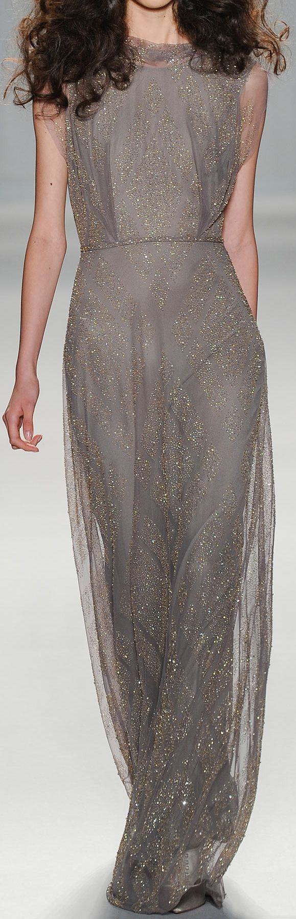 Jenny Packham at NYFW Spring 2014 Imagine this as a wedding dress! With cream or ivory instead of grey!