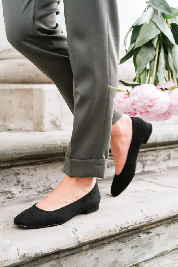 Idealne Czarne Balerinki Do Kazdej Stylizacji Shoes Mule Shoe Slippers