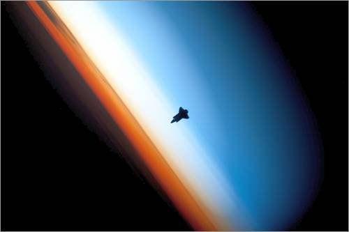 Forex-Platte 120 x 80 cm: Earth's sunlit horizon silhouettes the space shuttle ENDEAVOR in orbit. von Nasa / National Geographic Jetzt bestellen unter: http://www.woonio.de/p/forex-platte-120-x-80-cm-earths-sunlit-horizon-silhouettes-the-space-shuttle-endeavor-in-orbit-von-nasa-national-geographic/