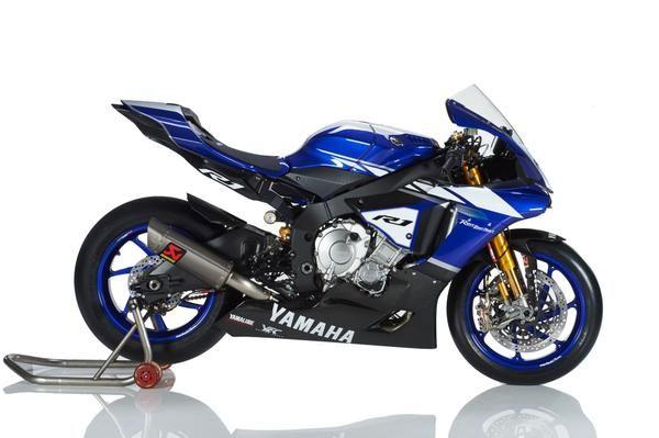 Un concentrato assoluto di tecnologia combinato con i migliori componenti per il mondo racing. #Yamaha #R1 Factory!