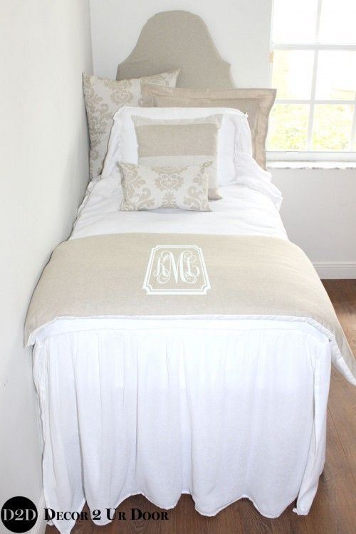 Farmhouse Meets Shabby Chic We Swoon Over This Vintage Vibe Neutral Dorm Bedding White