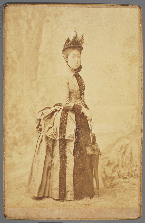 前田朗子(サエコ), 1870~1949.佐賀藩第11代藩主、鍋島直大の長女・生母は胤子。加賀前田家15代当主、前田利嗣と14歳で結婚。