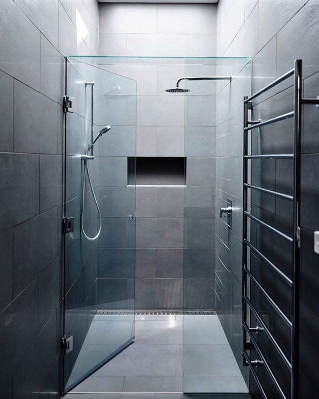 Loving This Modern Bathroom By: Adie Courtney Architect Located: #Kew,  #Melbourne