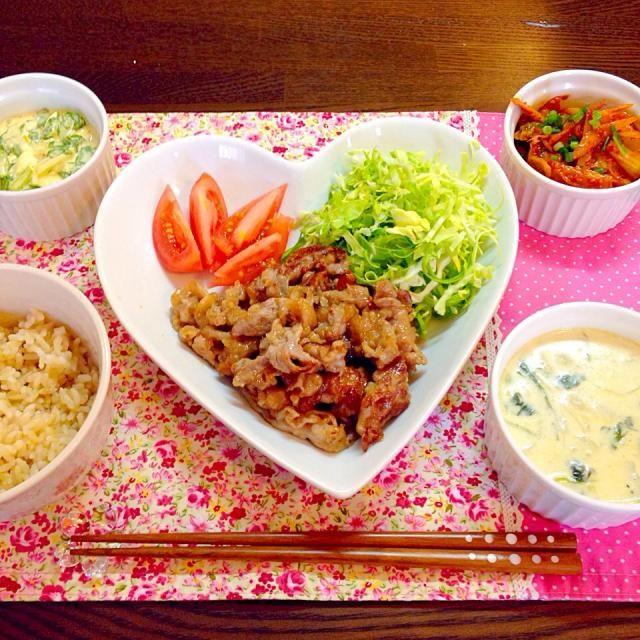 ごはんがすすむメニュー❤️ - 12件のもぐもぐ - 豚の生姜焼き、ごぼうとキムチの辛辛炒め、セロリとゆで卵のマヨサラダ、ほうれん草のポタージュ、発芽玄米、付け合わせ野菜 by snow042q