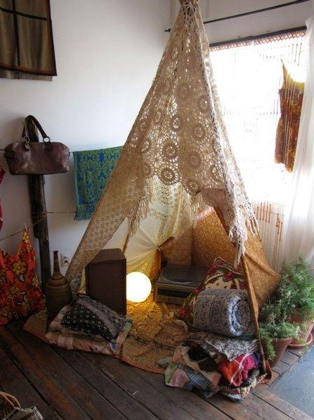 Tent party - I love the crochet drape