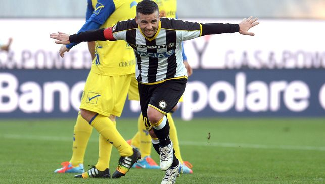 Antonio Di Natale, 400th cap in Serie A. and also scored his 200th in the top italian league. He is now in the restricted club of players who have reached 200 goals in Serie A. And he NEVER played for a Big team. 37 years old true Legend. 18 goals with Empoli and 182 with Udinese.