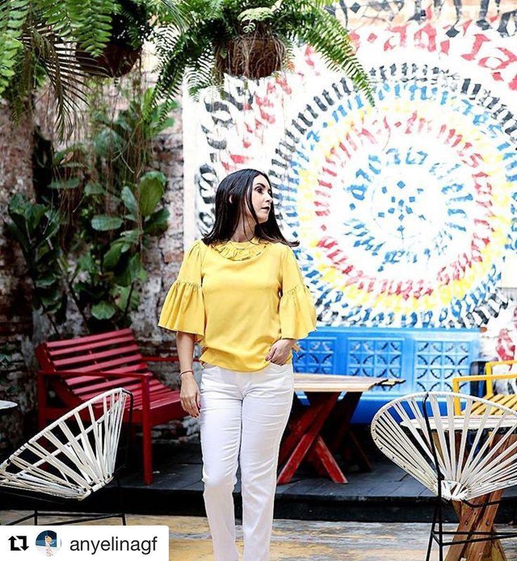 """#Repost @anyelinagf  Y seguimos con nuestro """"A summer in the city"""" ft @luisacollectionrd ésta hermosa blusa amarilla me condujo a #daoalpecao y sus rincones llenos de magia color arte e inspiración. Recuerden pueden encontrar las piezas en tiendas la sirena #asummerinthecity #madeinstgo #styleblogger #dowhatyoulove"""