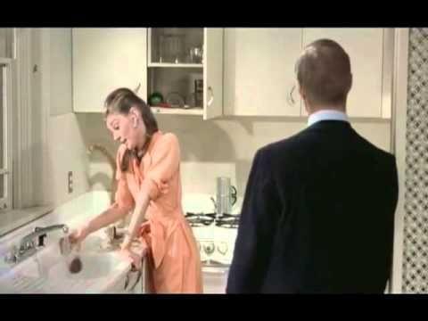 オードリーヘップバーンの「ティファニーで朝食を」猫バージョン