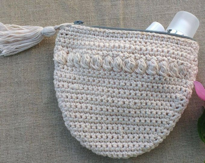Crocheted handmade purse vintage style, recycled material, cotton yarn, light pink, linen fabric lining, shabby chic pouch, make up bag