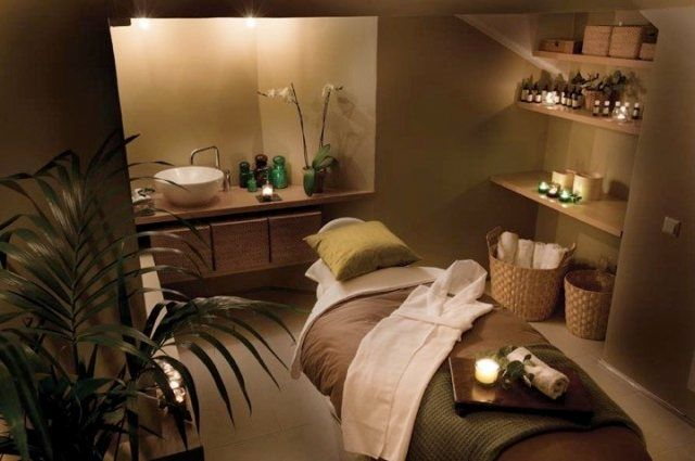 Wig Aveda, Stockholm || day spa || massage therapy room || esthetician room || aesthetician room || esthetics || skin care || body waxing || hair removal || body scrub || body treatment room: