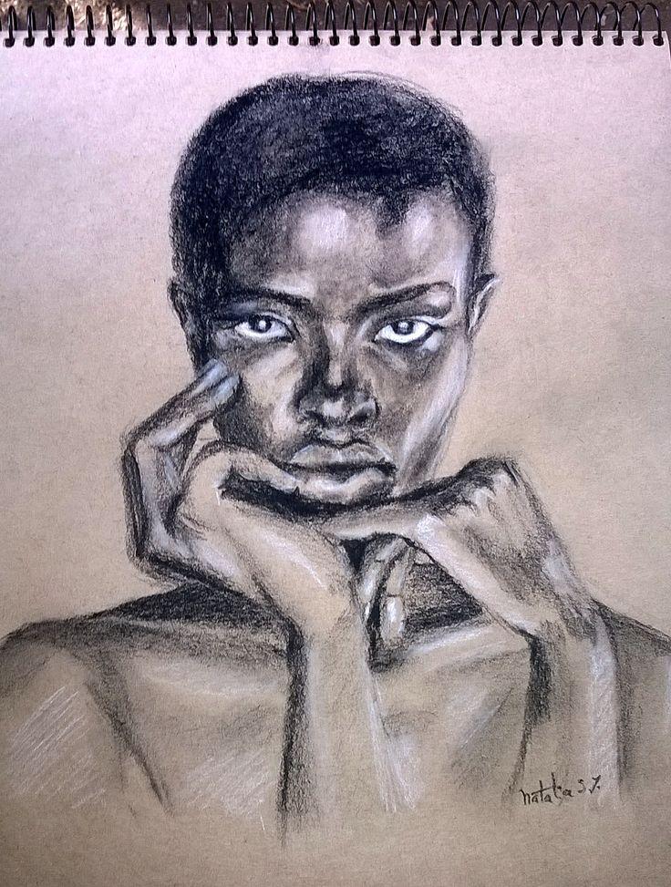 Carboncillo y pastel blanco sobre papel kraft  #portrait #charcoal #pastels #sketch
