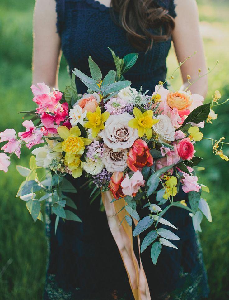 spring daffodil bouquet