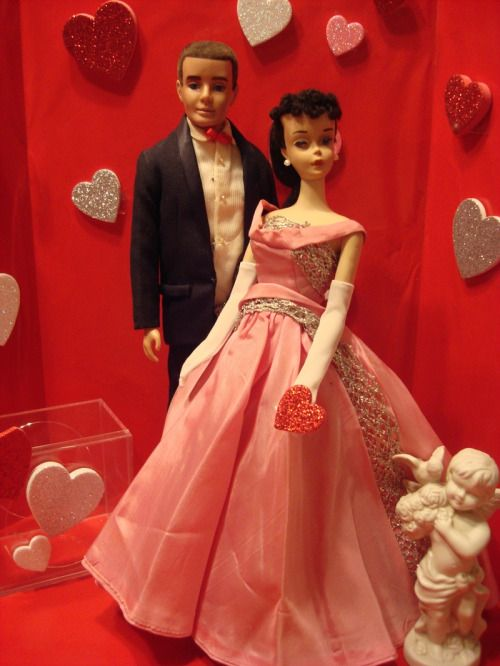 Barbie And Ken Arrive At The Valentineu0027s Day Dance!