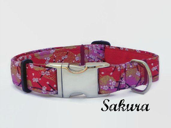 Mira este artículo en mi tienda de Etsy: https://www.etsy.com/es/listing/233491817/collar-de-perro-rojo-floral-collar-perro
