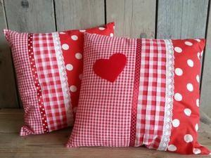 Bekijk de foto van FleurigenKleurig met als titel Prachtige handgemaakte kussens voor op de kinderkamer! Verkrijgbaar bij kinderwebwinkel fleurigenkleurig. en andere inspirerende plaatjes op Welke.nl.