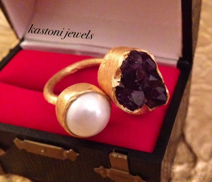#pearls #amethyst #jewels #handmade #greece #gemstones https://www.facebook.com/kastonijewels