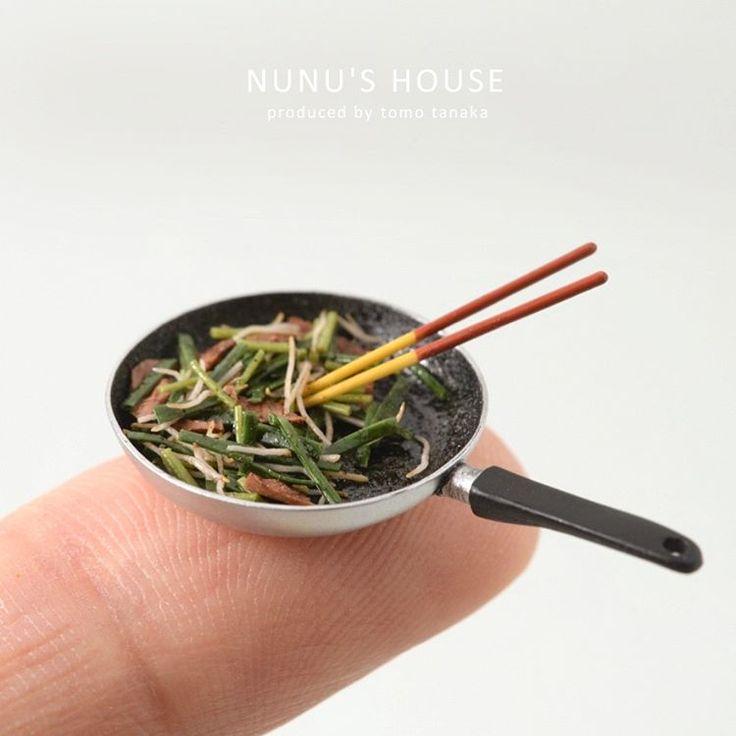 こんばんは 今晩ご飯のレバニラ炒め作ってるから ちょっと待ってね! #miniature #ミニチュア #kawaii #晩ご飯#夕食#献立 #料理#レバニラ#中華