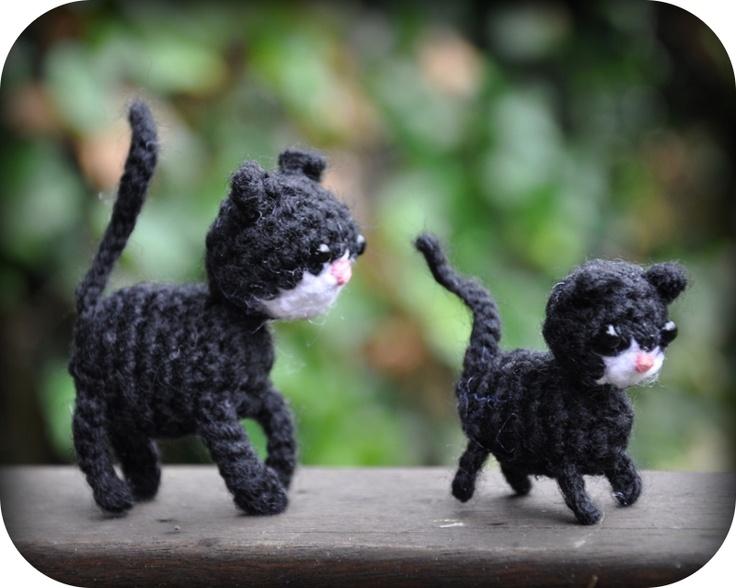 Grietjekarwietje: Haakpatroon Poes met kitten / Amigurumi pattern Cat with Kitten (Dutch)