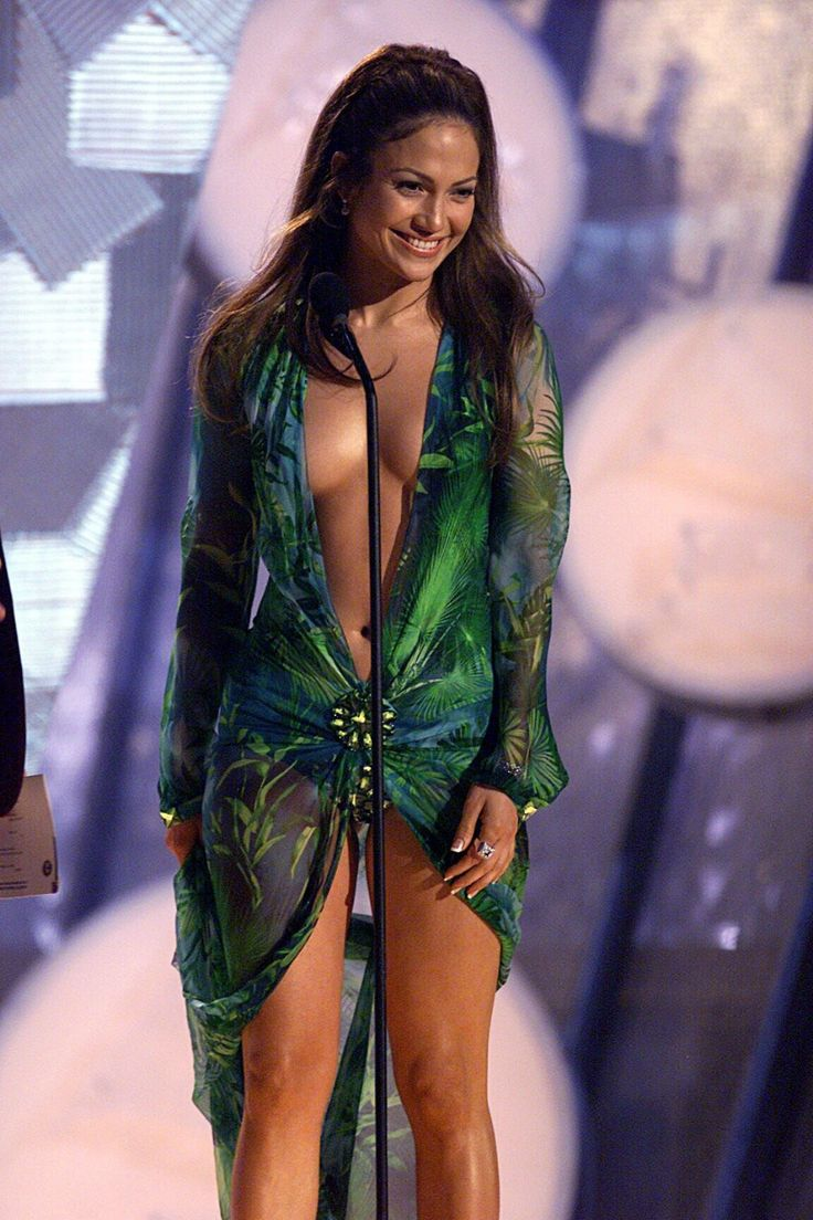 Jennifer Lopez Just Repeated Her Most Infamous Versace