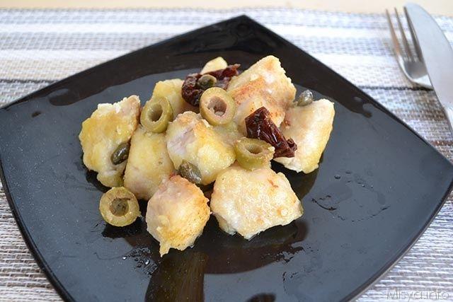 Bocconcini di pesce persico con olive e capperi