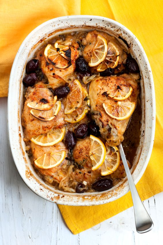 Easy Dinner Recipe: Slow Cooker Garlic Lemon Chicken With Olives