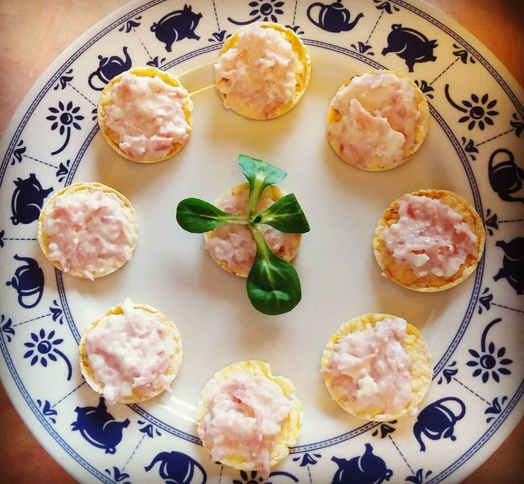 Mini aperitivo veloce 🍸 #gallette #mais #ricotta #salmone #prosciutto #Italy #foodporn #food #love #glutenfree #glutenfreelife #photooftheday #instagood #instalike #fast #friends #aperitivo #apericena