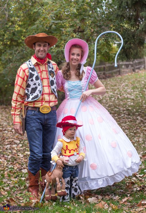 Emily: Halloween 2015: Woody, Bo Peep, and Jessie because who doesn't love Toy Story and huge dresses? Roughly 80% is made from scratch and/or modified. Woody has a functioning pull string...