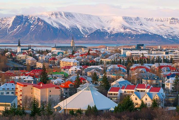 Discount UK Holidays 2017 Iceland Break: Optional Magical Northern Lights Tour From £149pp (from Super Escapes Travel) for a two-night Iceland adventure with return flights and optional Northern Lights upgrade - save up to 34%