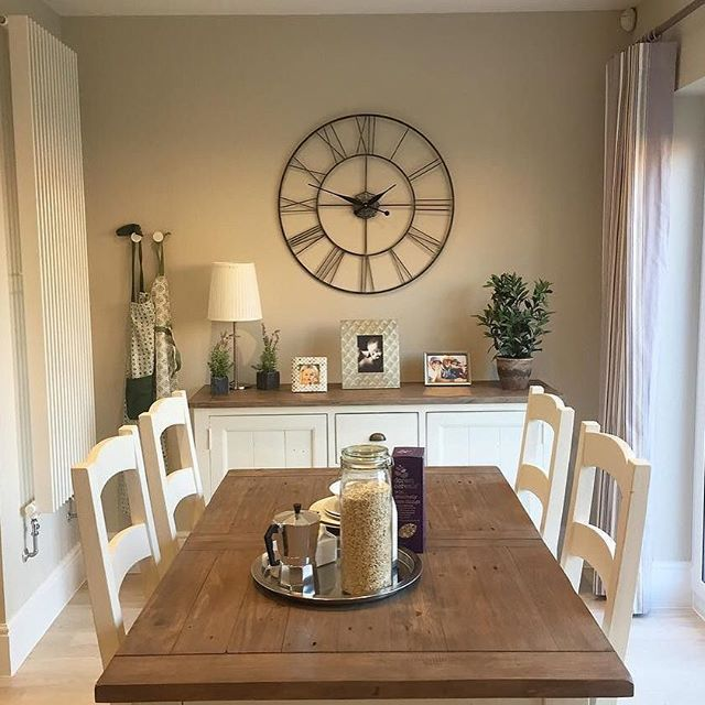 #repost @our.redrow.home #welovenew Make your dining room more interesting with a statement clock or artwork  Do you like large clocks in homes? Comment below  #decor #interior #interordesign #interiorinspiration #homedesign #homestyle #homeinspiration #d