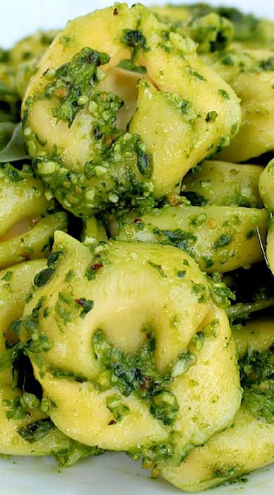 Spinach Feta Pesto Tortellini Salad