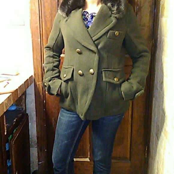 Ameican eagle outfitters medium coat Army green coat with gold buttons. Brown faux fur around the collar. Good condition    this coat cost over $100 American Eagle Outfitters Jackets & Coats Pea Coats