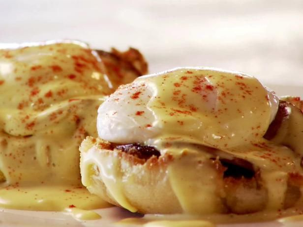 Pioneer Woman's Eggs Benedict Recipe Just watched this episode and my mouth is watering! Can't wait to make!