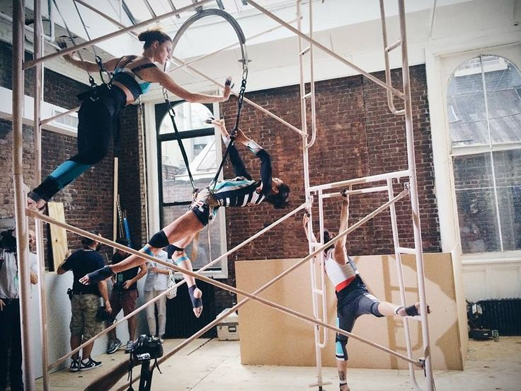 The athletic fashion brand VPL upped the ante—and defied gravity—with an aerial performance for its Spring 2015 Ready to Wear presentation.