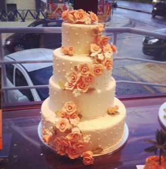 Wedding cake with flowers!