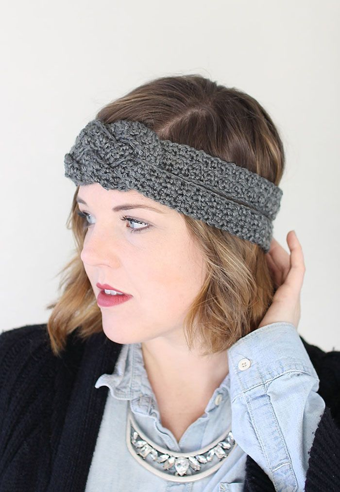 This Sailor Knot Crochet Headband is a simple but stylish pattern that works up quickly, which makes it a great project for holiday gift giving.