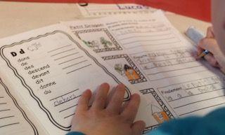 """Dictionnaire de """"Mots usuels"""". Parfait pour rendre les élèves autonomes en écriture au 1er cycle!"""