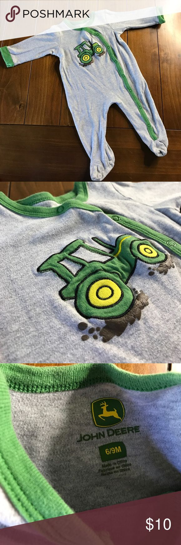 {john deere} Baby Pajama 👶🏻 Pre-loved ❤️ baby pajama from John Deere in a tractor on the front. 100 percent cotton ❤️ John Deere Pajamas