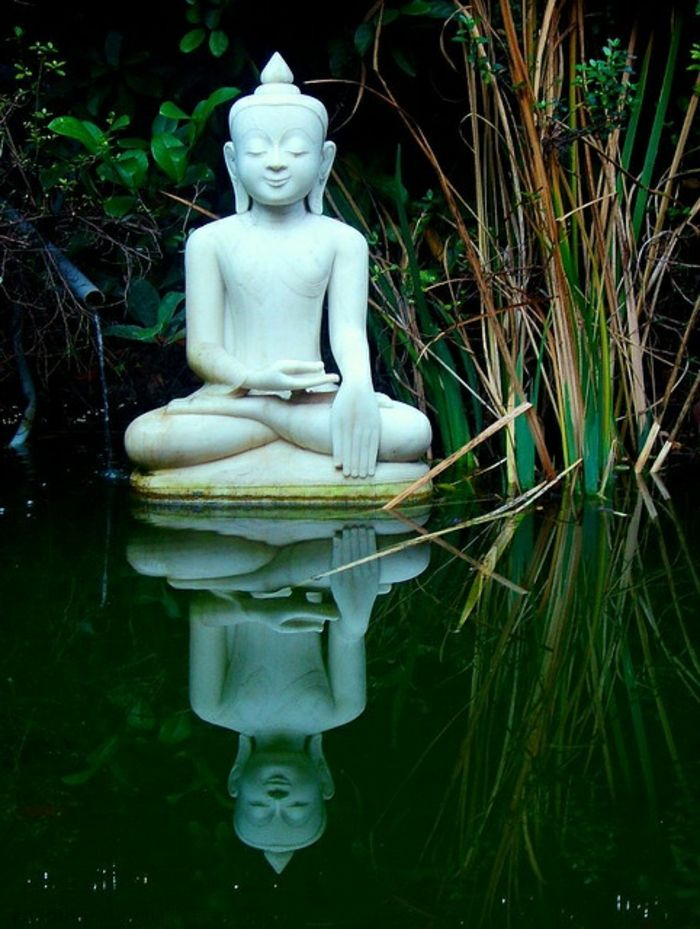Best 25 statue bouddha jardin ideas on pinterest guy for Bassin exterieur