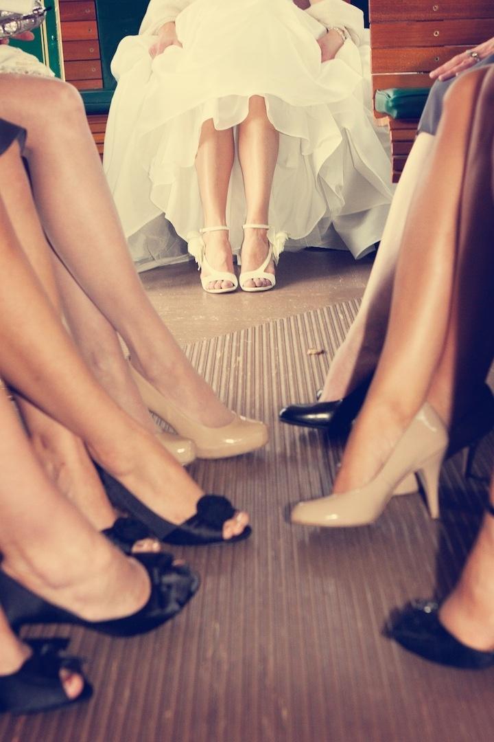 Bride & her bridesmaids en route to the wedding