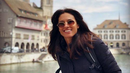 Gabriela Sabatini la mejor tenista argentina de la historia cumple hoy 50 años Round Sunglasses, Sunglasses Women, Us Open, Ray Bans, Carrera, Miami, Beautiful, Style, Fashion