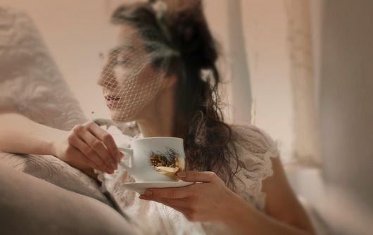 porcelana i szkło - kubki i filiżanki-Filiżanka złotem malowana