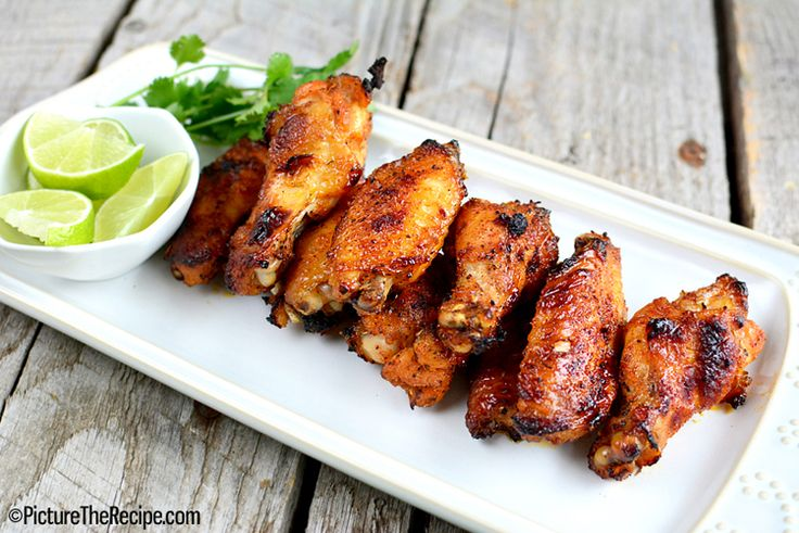 Voici les ailes de poulet au miel et bourbon - Recettes - Recettes simples et géniales! - Ma Fourchette - Délicieuses recettes de cuisine, astuces culinaires et plus encore!