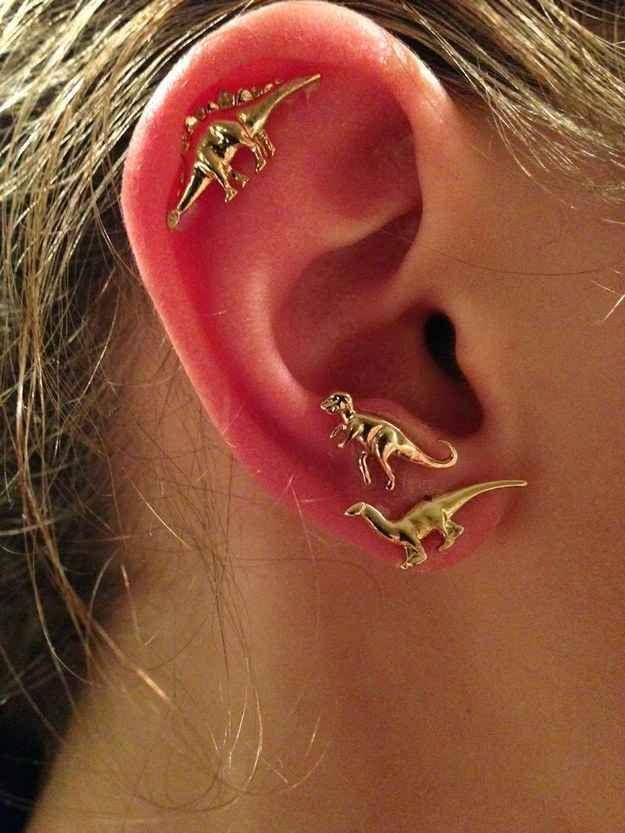 Cartílago sencillo con doble perforación | 28 innovadores piercings de oreja que deberías probar este verano