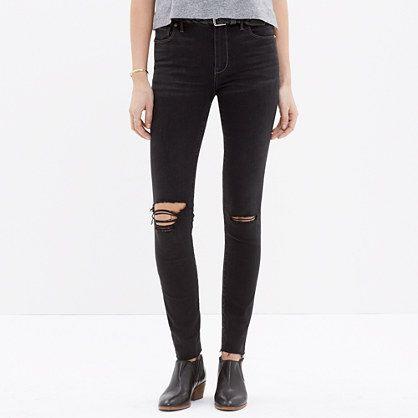 Madewell - High Riser Skinny Skinny Cut-Edge Jeans in Black Sea